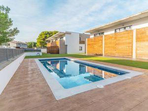 Ferienhaus für 6 Personen (124 m²) ab 87 € in L'Escala