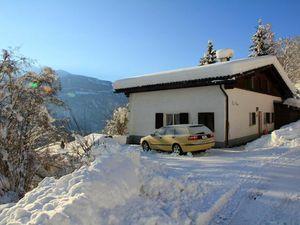 Ferienhaus für 9 Personen ab 155 € in Laax