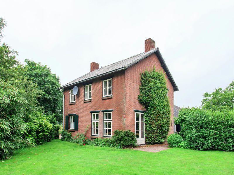 19353821-Ferienhaus-19-Lage Mierde-800x600-1