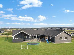 Ferienhaus für 20 Personen (340 m²) ab 62 € in Løkken