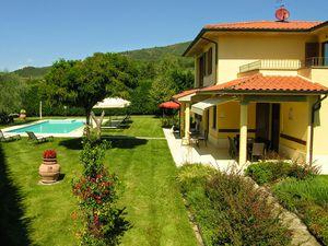 Ferienhaus für 12 Personen ab 241 € in Loro Ciuffenna