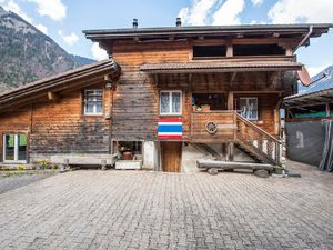 Ferienhaus für 10 Personen (170 m²) ab 140 € in Lungern