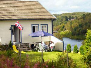 Ferienhaus für 6 Personen (75 m²) ab 88 € in Lyngdal
