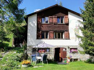 Ferienhaus für 13 Personen (120 m²) ab 228 € in Madulain