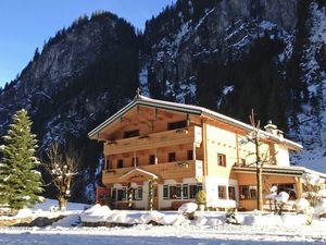 Ferienhaus für 30 Personen (450 m²) ab 327 € in Mayrhofen
