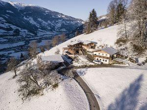 423970-Ferienhaus-9-Mayrhofen-300x225-0