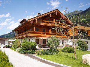 Ferienhaus für 15 Personen (200 m²) ab 195 € in Mayrhofen
