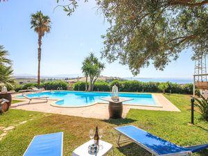 Ferienhaus für 10 Personen (430 m²) ab 138 € in Menfi