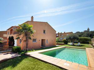 Ferienhaus für 8 Personen ab 155 € in Mont-Ras