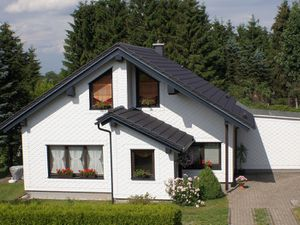 Ferienhaus für 4 Personen (98 m²) ab 42 € in Neuhaus am Rennweg