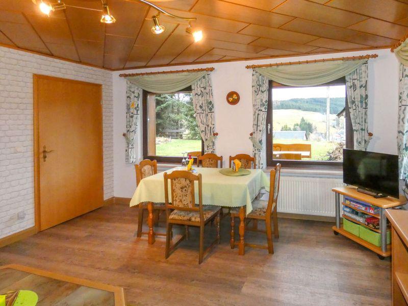 22432347-Ferienhaus-3-Neuhaus am Rennweg-800x600-2