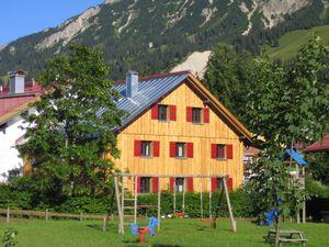 Ferienhaus für 12 Personen (120 m²) ab 93 € in Oberjoch