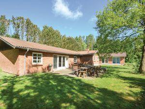 Ferienhaus für 16 Personen (251 m²) ab 84 € in Øster Assels