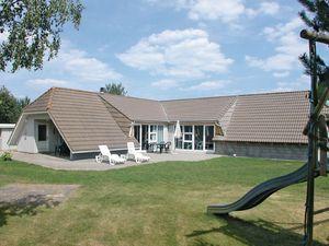 Ferienhaus für 6 Personen (174 m²) ab 74 € in Oksbøl