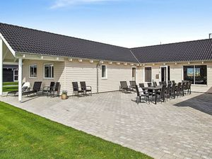 Ferienhaus für 20 Personen (267 m²) ab 228 € in Olpenitz