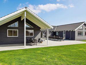 Ferienhaus für 24 Personen (298 m²) ab 309 € in Olpenitz