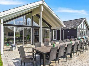 Ferienhaus für 18 Personen (242 m²) ab 205 € in Olpenitz