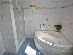 21933809-Ferienhaus-6-Otterndorf-300x225-1