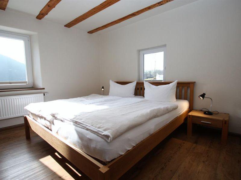 18291162-Ferienhaus-10-Plütscheid-800x600-3