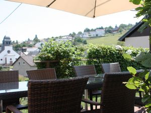 Ferienhaus für 10 Personen (120 m²) ab 135 € in Plütscheid