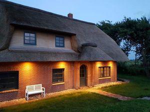 Ferienhaus für 8 Personen (160 m²) ab 124 € in Poppenbüll