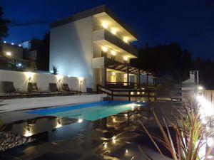 Ferienhaus für 12 Personen (220 m²) ab 285 € in Posedarje