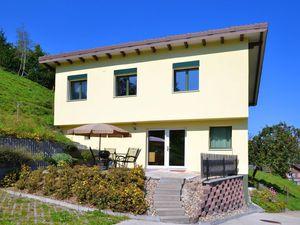 Ferienhaus für 8 Personen ab 122 € in Romoos