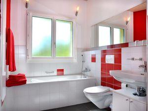 18727425-Ferienhaus-8-Romoos-300x225-2