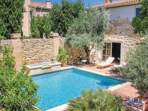 Ferienhaus für 10 Personen (190 m²) ab 104 € in Roujan