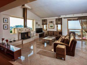 Ferienhaus für 10 Personen (300 m²) ab 262 € in Roussospiti