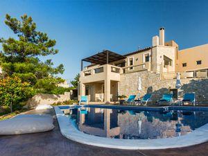 Ferienhaus für 13 Personen (140 m²) ab 265 € in Roussospiti