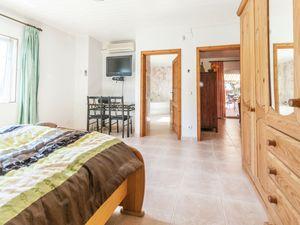 19342061-Ferienhaus-6-Sant Pere Pescador-300x225-13