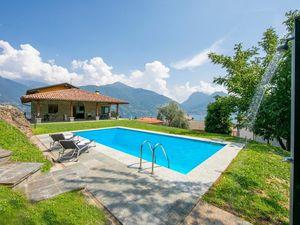 Ferienhaus für 9 Personen (350 m²) ab 325 € in Santa Maria Rezzonico