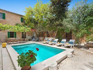 Ferienhaus für 12 Personen ab 302 € in Santanyi