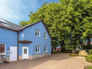 Ferienhaus für 14 Personen (200 m²) ab 22 € in Schaprode