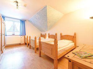 18366462-Ferienhaus-14-Schaprode-300x225-9