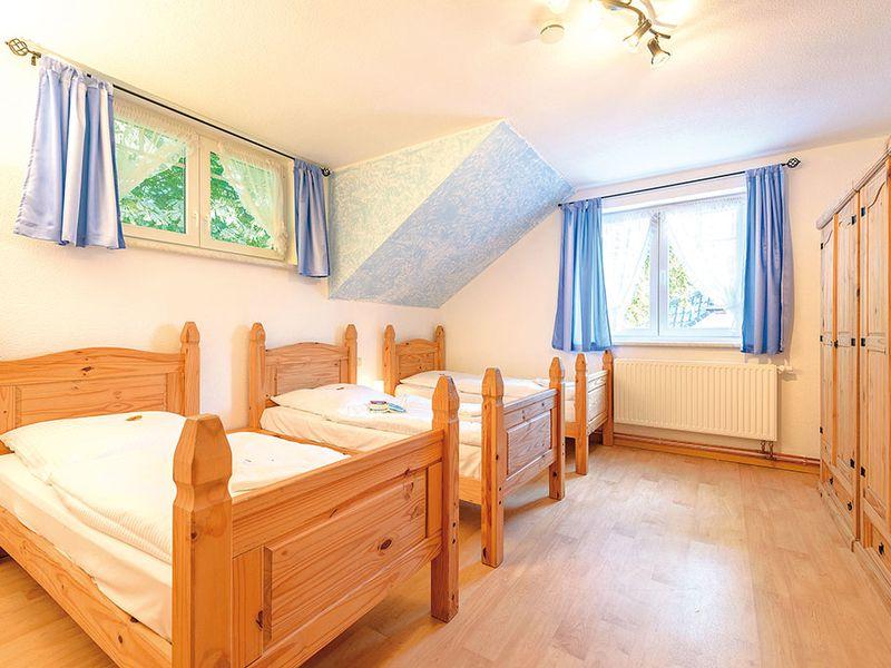 18366462-Ferienhaus-14-Schaprode-800x600-10