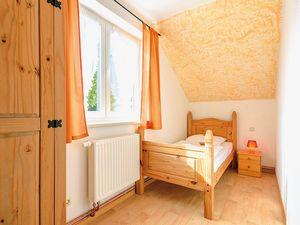 18366462-Ferienhaus-14-Schaprode-300x225-11