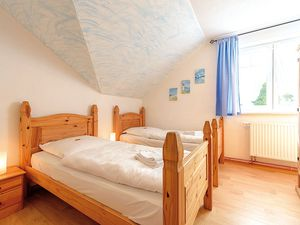 18366462-Ferienhaus-14-Schaprode-300x225-12