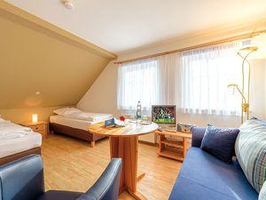 18709871-Ferienhaus-17-Schaprode-300x225-9