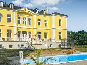 Ferienhaus für 36 Personen ab 175 € in Schmuggerow