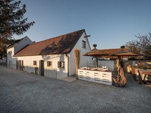 Ferienhaus für 3 Personen (93 m²) ab 170 € in Schützen am Gebirge