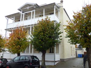 18773552-Ferienhaus-4-Sellin (Ostseebad)-300x225-1