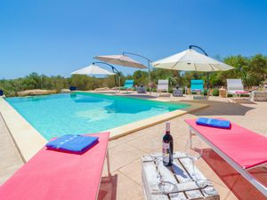 Ferienhaus für 6 Personen (240 m²) ab 172 € in Ses Salines