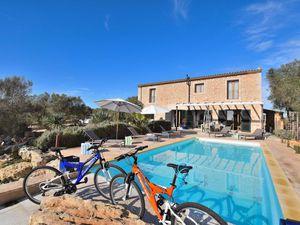 Ferienhaus für 6 Personen (180 m²) ab 183 € in Ses Salines