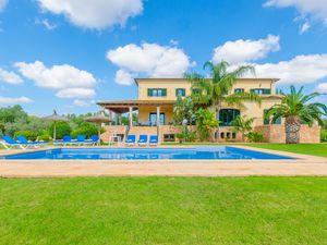 Ferienhaus für 8 Personen (340 m²) ab 241 € in Ses Salines