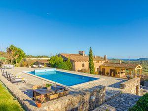 Ferienhaus für 10 Personen (500 m²) ab 676 € in Son Servera
