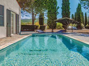 Ferienhaus für 10 Personen (400 m²) ab 312 € in St Florent