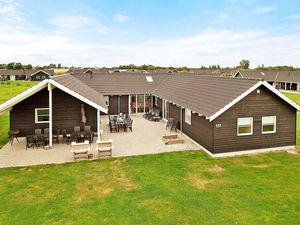 Ferienhaus für 24 Personen (319 m²) ab 226 €