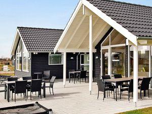 Ferienhaus für 14 Personen (187 m²) ab 166 €